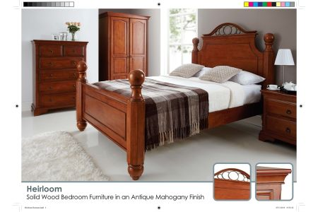 Heirloom Bed in Antique Mahogany
