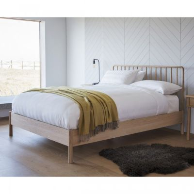 Hudson Living Wycombe 4'6 Spindle Bed